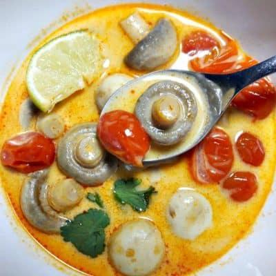 Mushroom & Tomato Thai Soup (Tom Yum Hed)