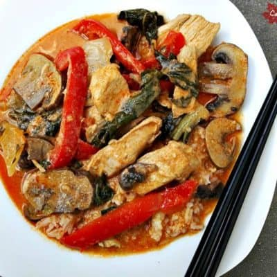Red Thai Chicken Curry with Spinach, Peppers and Mushrooms