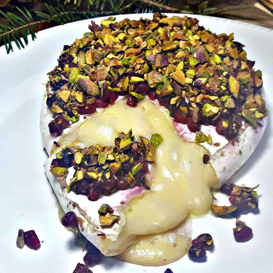 Baked Brie with Honey, Baked Brie with Pistachios & Pomegranates and Honey #Baked #Brie with #Pistachio & #Pomegranate and #Honey #recipe #christmas #canadiancookingadventures #appetizer Pistachios & Pomegranates