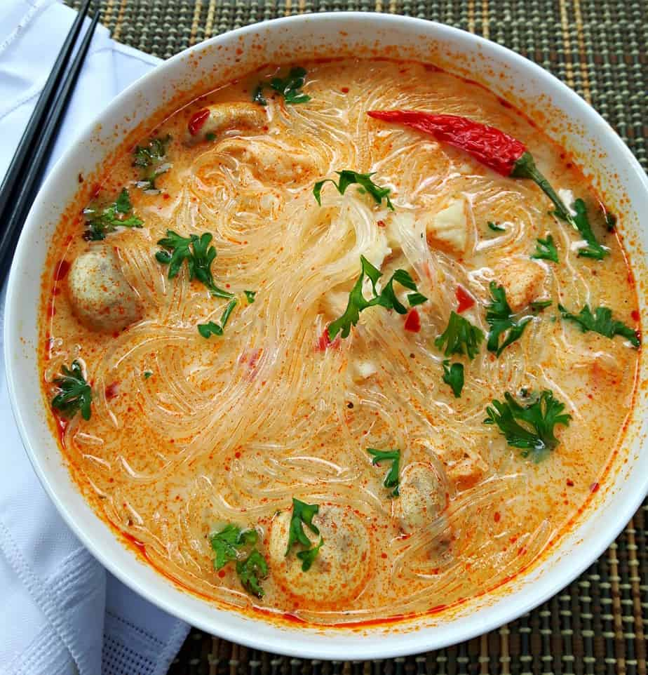Thai seafood soup tom yum talay for Thai fish soup
