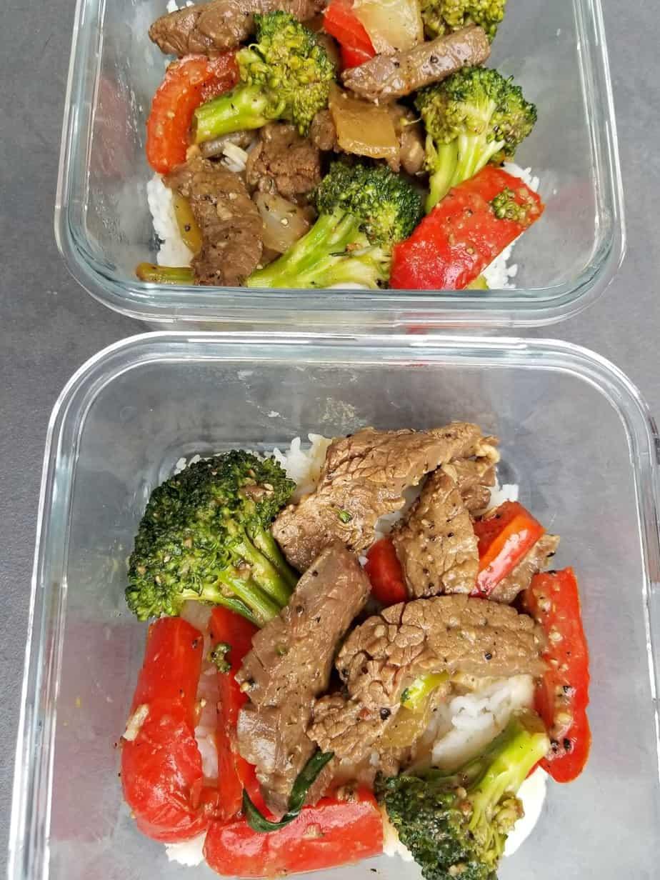 Black Pepper Beef Broccoli Stir Fry meal prep bowls