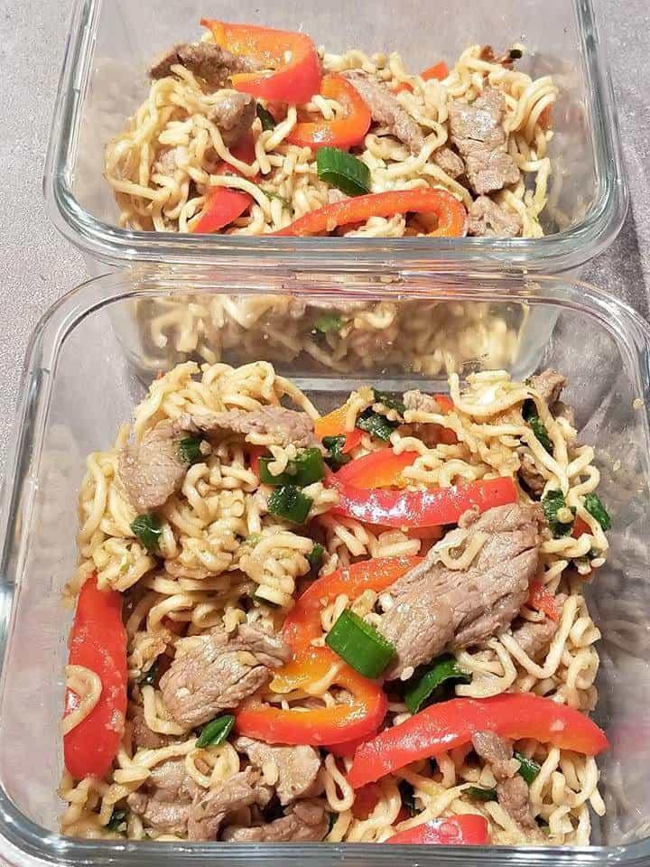 beef ramen noodle meal prep bowls