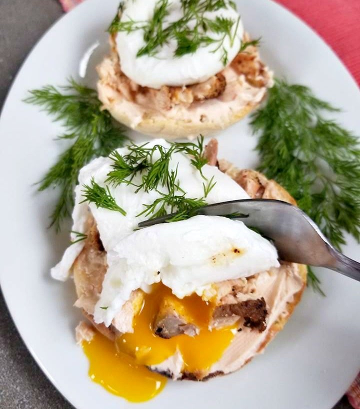 Smoked Salmon Poached Egg English Muffins